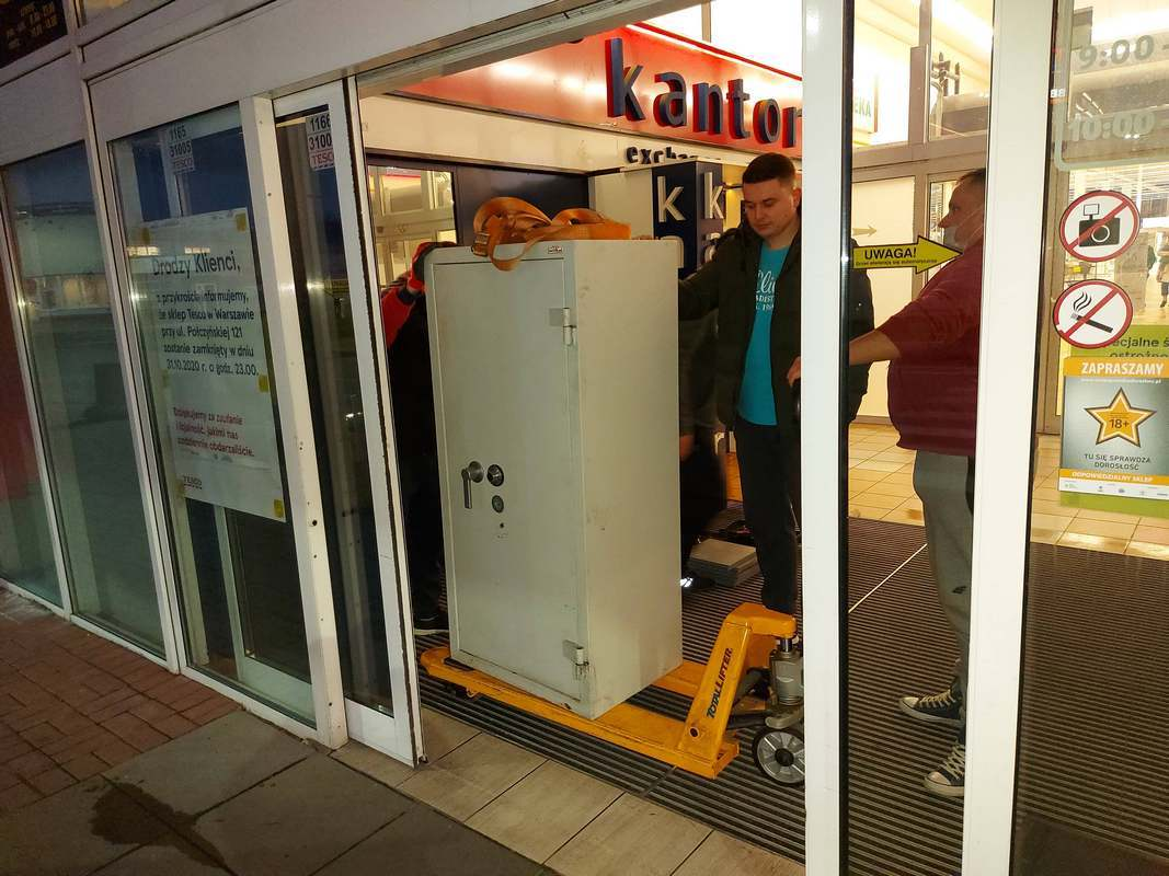 transport szaf pancernych